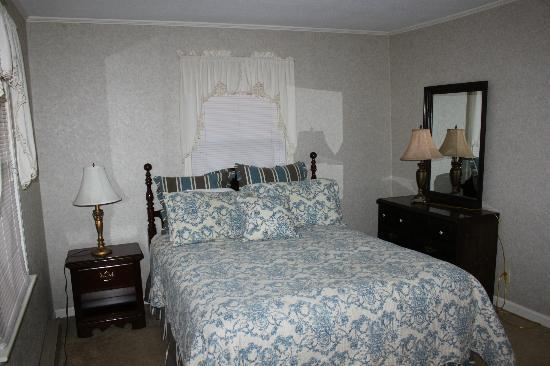 Dillard House: One of the Downstairs Bedrooms