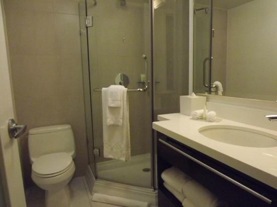Staybridge Suites Times Square - New York City: bathroom