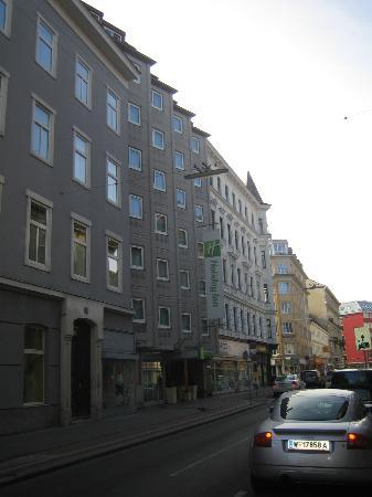 Street view of the front of the hotel picture of holiday for Best hotel in vienna for christmas
