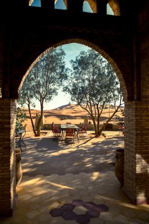 Yasmina Hotel Merzouga: dunes