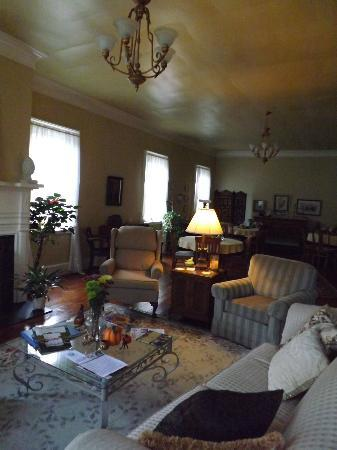 Bed & Breakfast at Oliver Phelps: Common area
