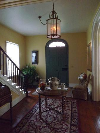 Bed & Breakfast at Oliver Phelps: BEAUTIFUL Foyer. The front door is amazing! (and big!)