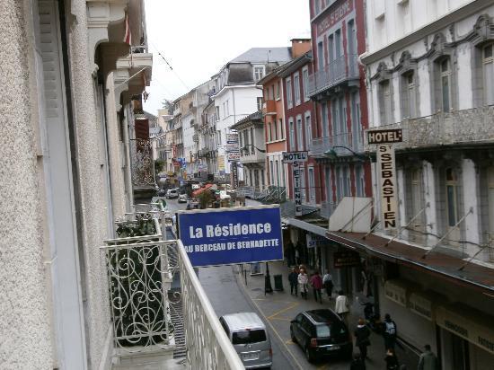 Au Berceau De Bernadette : Panorama dalla camera