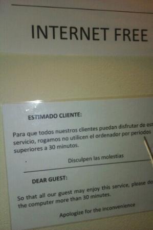 Granada Centro Hotel: truly free internet, including a desktop!