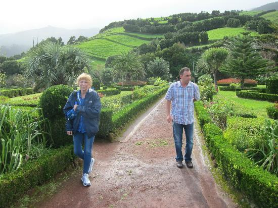 Azorean Tours: Cathy, Gary