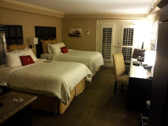 Crowne Plaza Orlando Downtown: Hotel Room