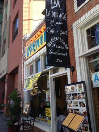 La Mirage Cafe