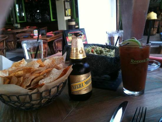 Rocco's Tacos and Tequila Bar: Rocco's yummy guacamole!