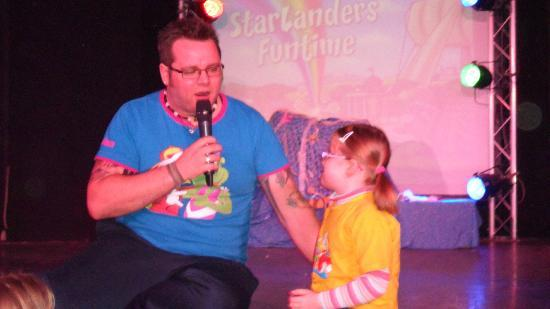 Parkdean - Mullion Holiday Park: Entertainers were much more interactive with kids than other camps I had been to.