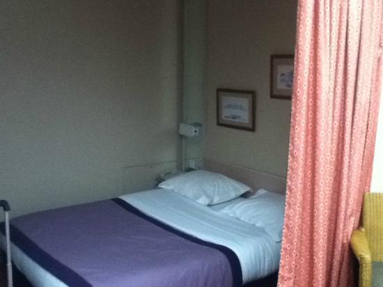 Hotel Galileo: Bedroom