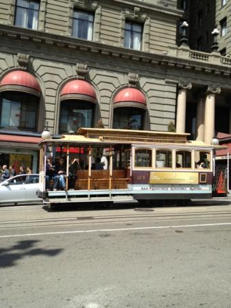 The Westin St. Francis San Francisco on Union Square: Cable cars go by all day