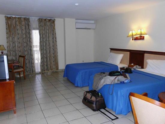Mensvic Grand Hotel: habitacion