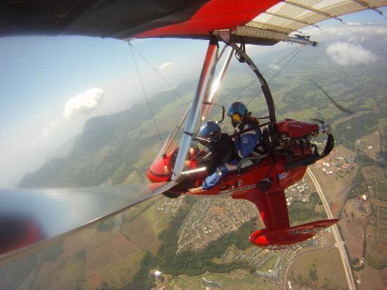 Birds In Paradise Flight School: Flying over Kauai