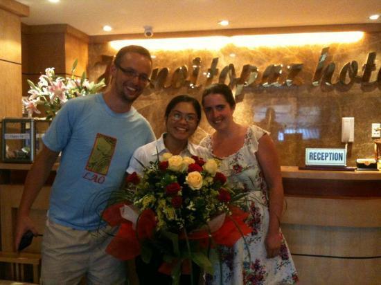 Hanoi Topaz Hotel: A big flower for farewell
