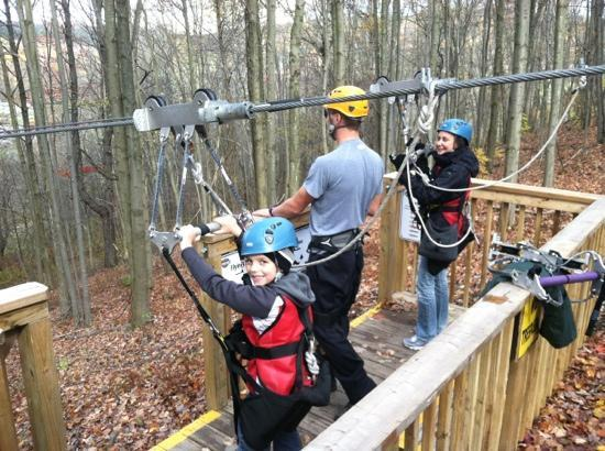 Hope Lake Lodge & Conference Center: zip lining