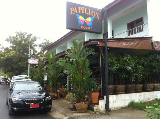 Papillon Bar & Restaurant