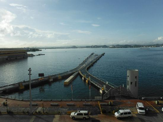 Sheraton Old San Juan Hotel: View toward one of the piers