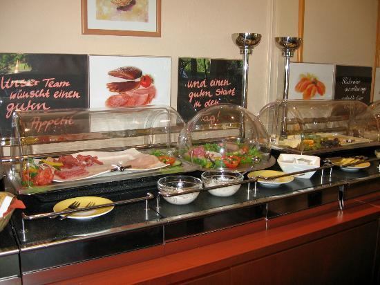 Hotel Stadt Norderstedt: Breakfast at Hotel Norderstedt