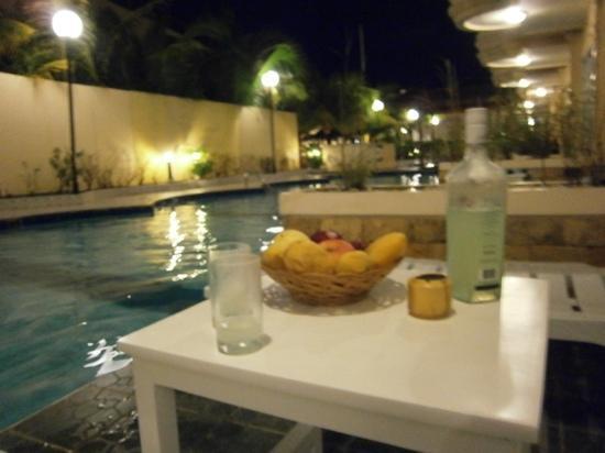 Henann Garden Resort: 밤의 풀엑세스