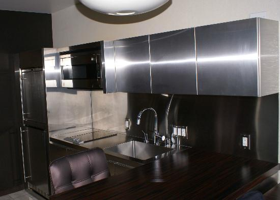 Palms Casino Resort: Kitchen in studio suite