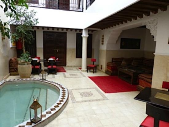 Riad Argan: Reception and inside dining area