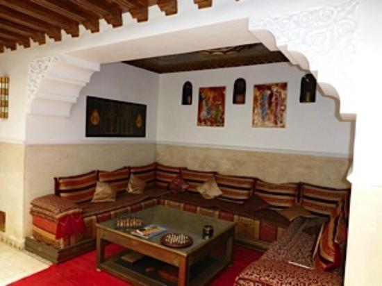 Riad Argan: Seating area