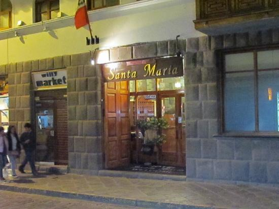 Santa Maria Hostal: Entrada Hostal
