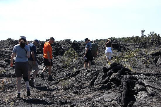 Native Guide Hawaii: hiking over a lava flow to the crater