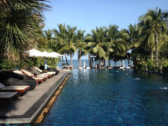 Movenpick Asara Resort & Spa Hua Hin: Infinity pool