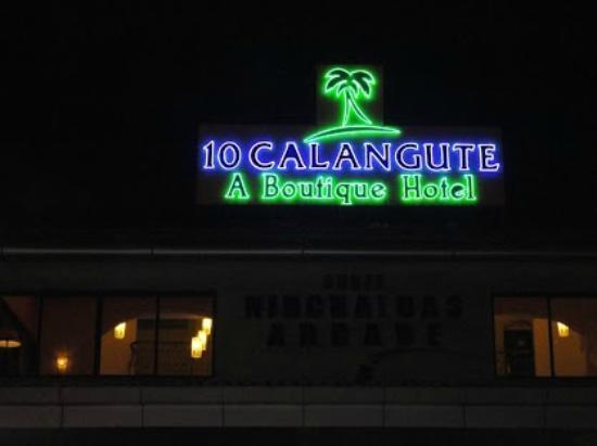 10 Calangute: Hotel Facade