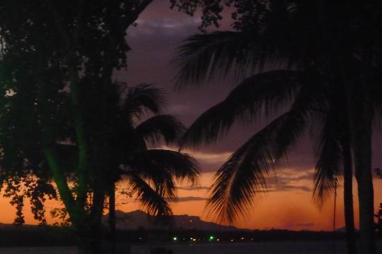 Grand Paradise Playa Dorada: Vu de notre chambre le soir