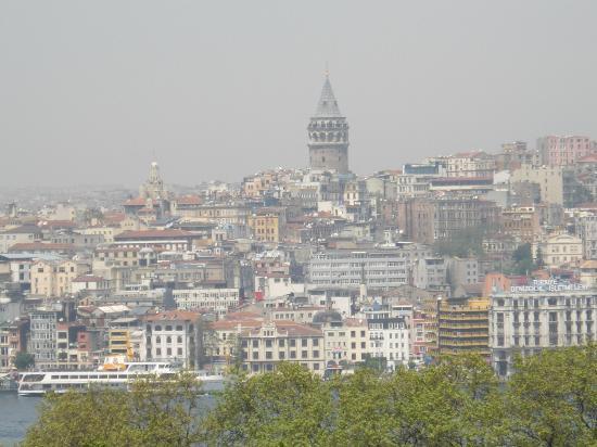 Galata Tower: トプカプ宮殿から見えたガラタ橋