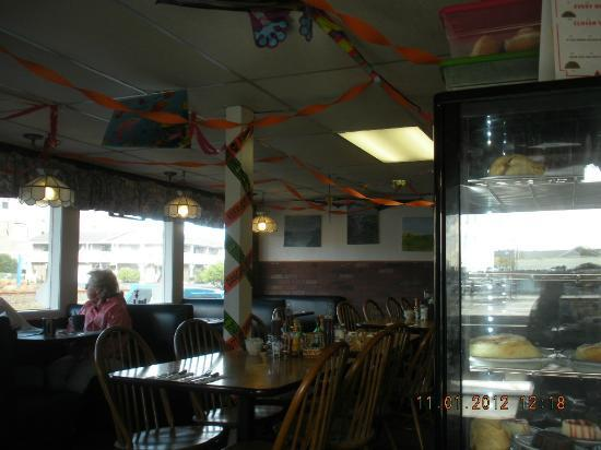 Grumpy's Cafe: Interior