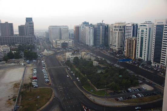 Hala Arjaan by Rotana Abu Dhabi: Sleepy city from our balcony