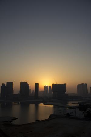 Hala Arjaan by Rotana Abu Dhabi: Sunrise from our balcony