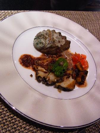 Hakone Suishoen: 鮑のステーキ・・鉄板焼き