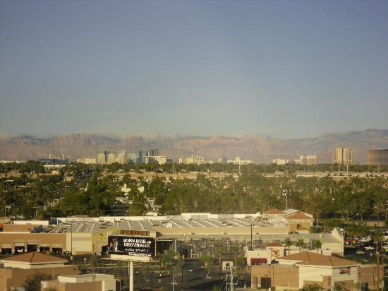 Eastside Cannery Casino & Hotel: Strip View