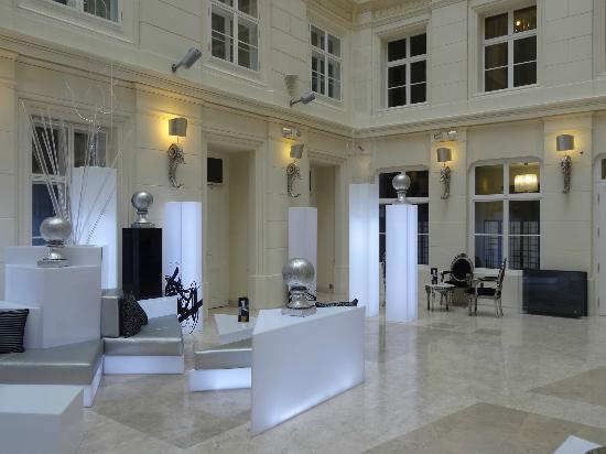 Barcelo Brno Palace: B Lounge