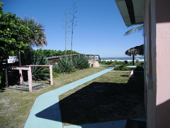 Sea Scape Motel - Oceanfront Getaway: Side View Looking Toward Atlantic Ocean