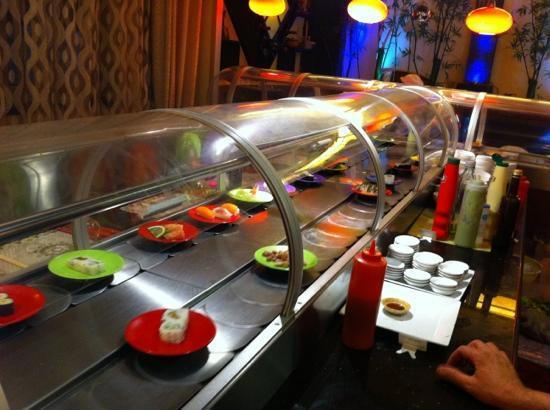 Fujiwok : particolare del nastro sushi
