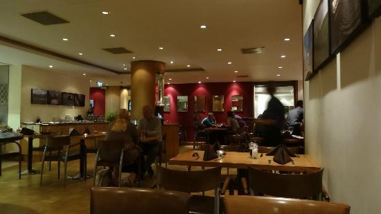 Holiday Inn London-Gatwick Airport: very good service