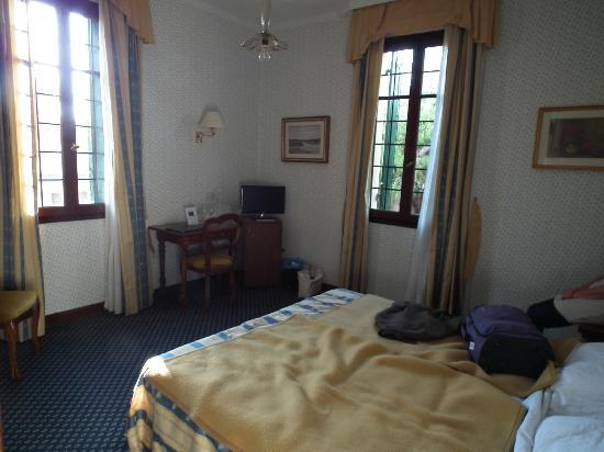 Hotel La Meridiana: Our room, 1930's style decor.