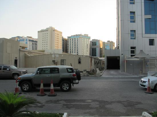 Swiss-Belhotel Doha: Eingang: Blick gerade