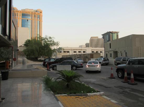 Swiss-Belhotel Doha: Eingang: Blick links