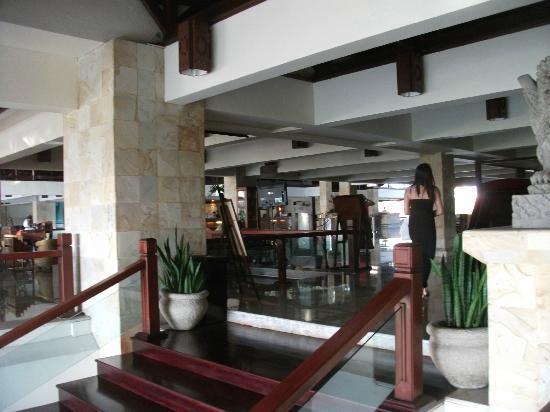 Discovery Kartika Plaza Hotel: Lobby