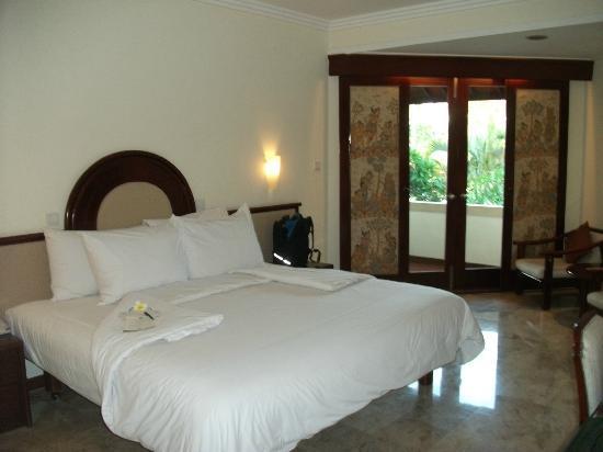 Discovery Kartika Plaza Hotel: bedroom