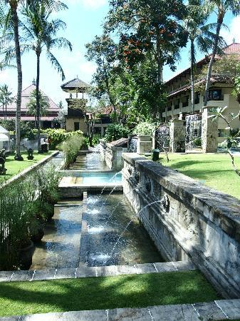 INTERCONTINENTAL Bali Resort: pool area
