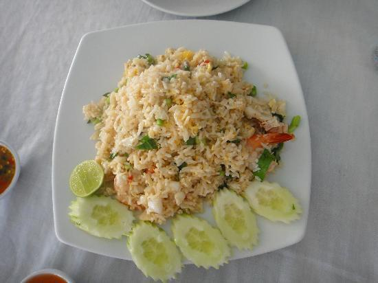 Twin Brothers: Fried rice with seafood