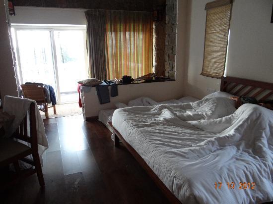 Kaivalyam Retreat: Room