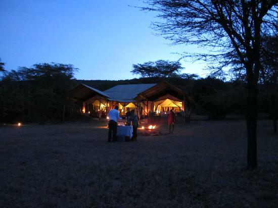 Olderkesi Private Reserve, Kenya: Drinks at the Camp Fire
